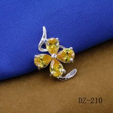 jewelry exquisite 925 clovers zircon silver plated pendant with modern beauty for restoring ancient ways female charm pendant(China)