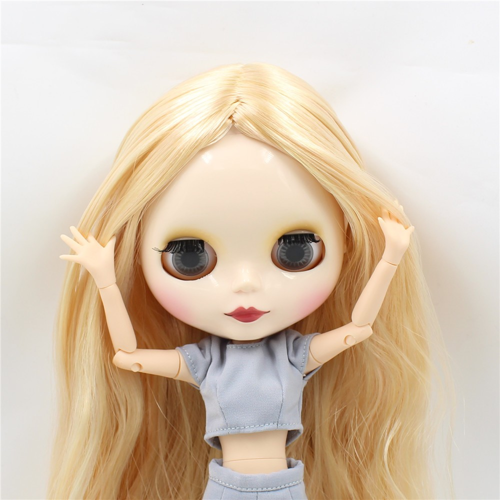 Neo Blythe Doll with Blonde Hair, White Skin, Shiny Face & Jointed Body 6