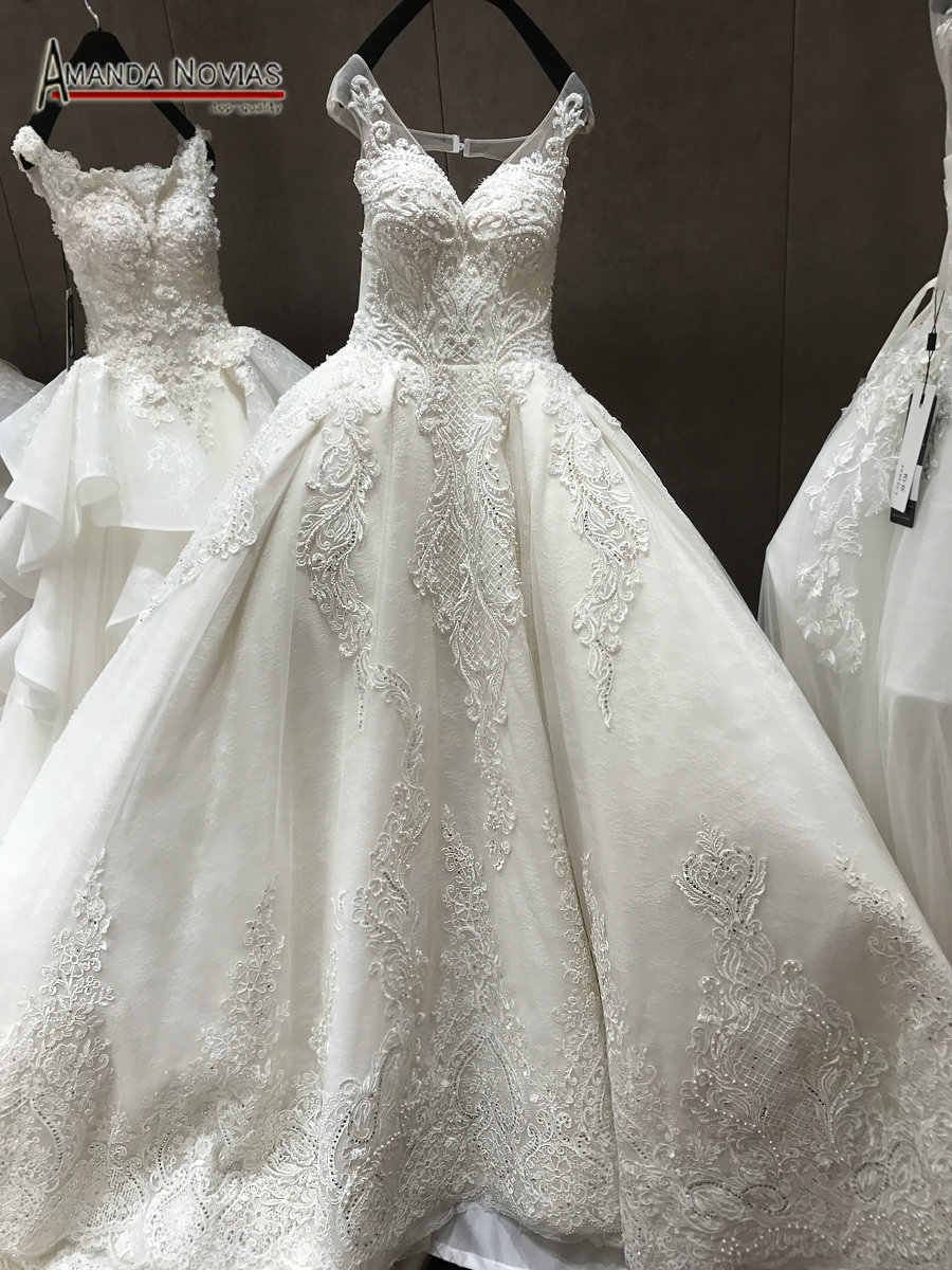 vestido de noiva 2019 Heavily Beaded Long Train V Neck Real Wedding Dress
