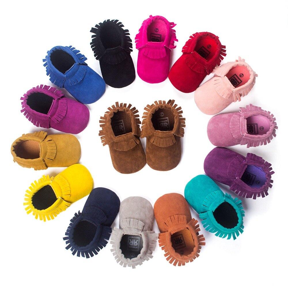 Из искусственной замши для новорожденных для маленьких мальчиков девочек Мокасины Мягкая обувь бахрома на мягкой подошве Нескользящая кроватки первых шагов