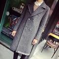 2015 Moda Estilo Britânico Breasted Dupla Sólida X-longo Poeira Casaco Trench Coat dos homens Carta Decoração Casual Clássico casaco