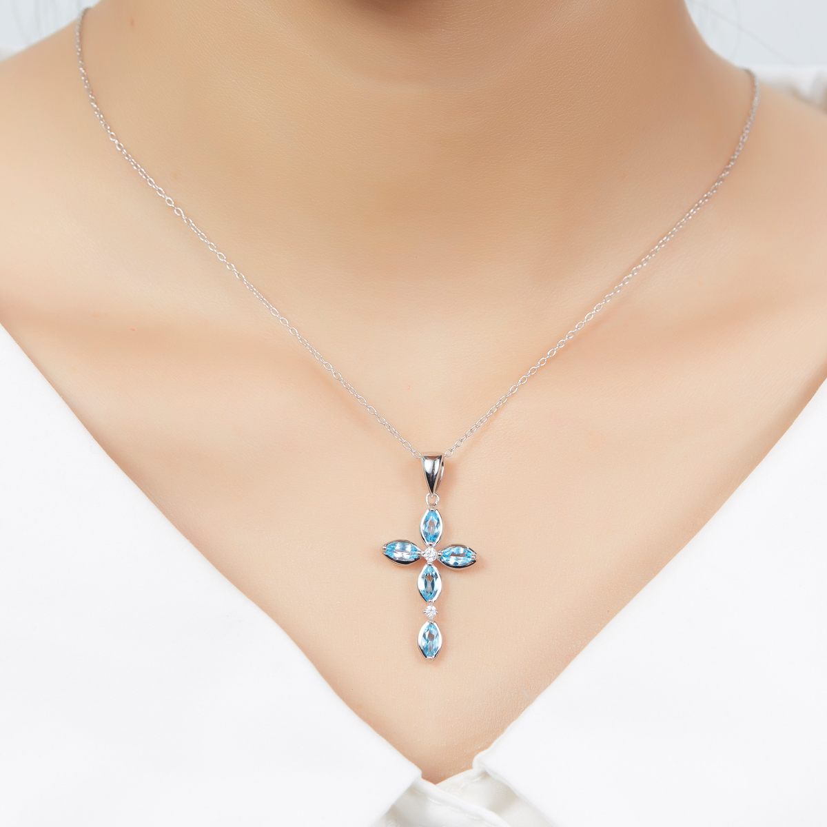 Hutang 1.51ct Real Swiss Blue Topaz Solid 925 Sterling Silver Cross Pendant Necklaces Gemstone Fine Jewelry for Women Free Chain