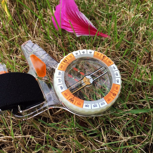 Thumb compass magnetic compass high professional athletes Orienteering Competition compass CN550