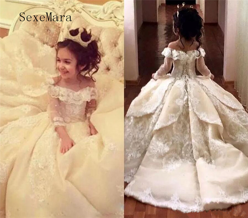 Vintage Lace Pageant Dresses Flower Girl Dress Off Shoulder Sweep Train Long Sleeves Ball Gown Kid First Communion Dress