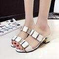 Mulheres moda primavera e verão sandálias de couro pu lady casual deslizamento em sandálias em casa chinelos bonitos do sexo feminino Sandalias de mujer