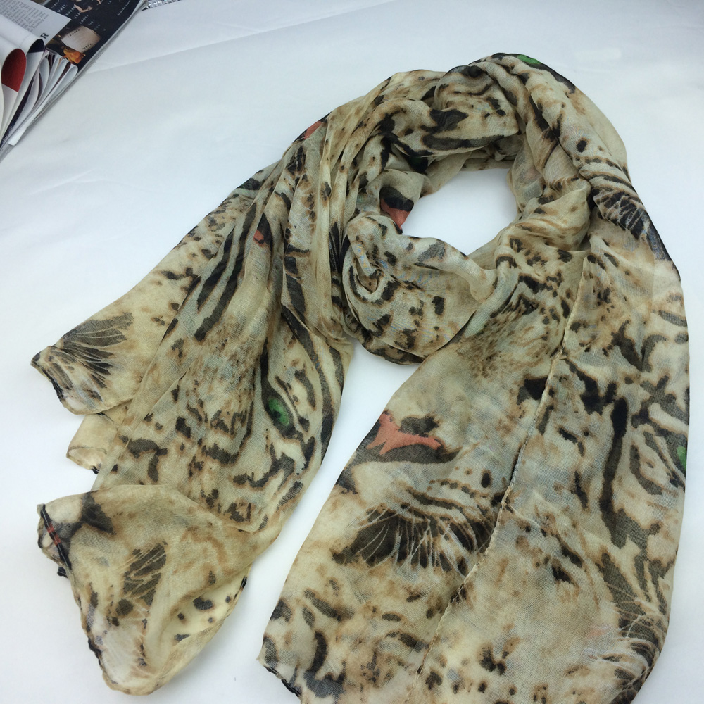 Hot selling norway stylish animal printing women polyester scarf tiger pattern scarf LL171069