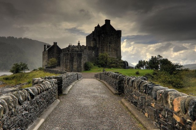 DIY frame Scotland medieval castle architecture Scenery Poster Home Decoration Printing Silk Wall Poster Picture Print