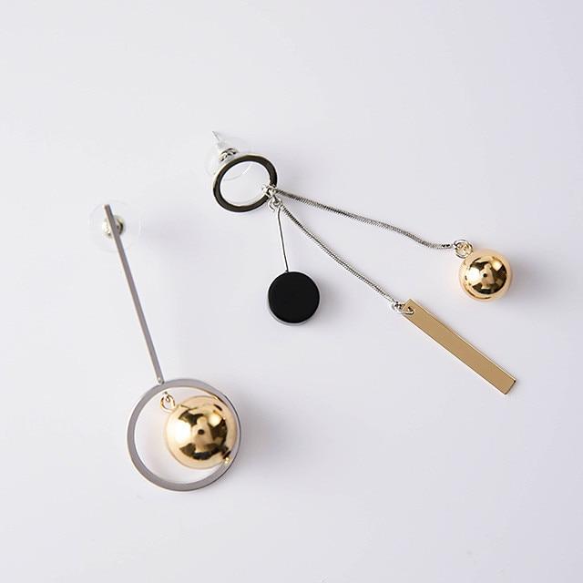 Асимметричные Длинные серьги в Корейском стиле, популярный дизайн, полый круг, металлический шар, boucles d'oreilles pendantes