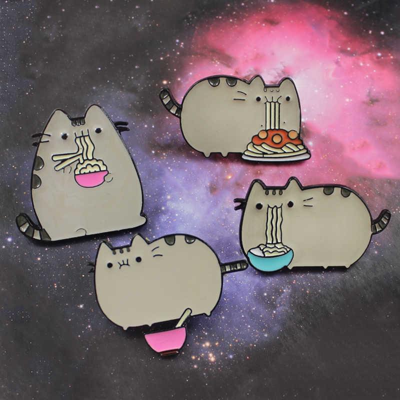 Fashion Lucu Abu-abu Kucing Gemuk Paduan Bros Makan Spaghetti Mie Enamel Pin untuk Wanita Ransel Anak-anak Pakaian Lencana Hadiah 4 gaya