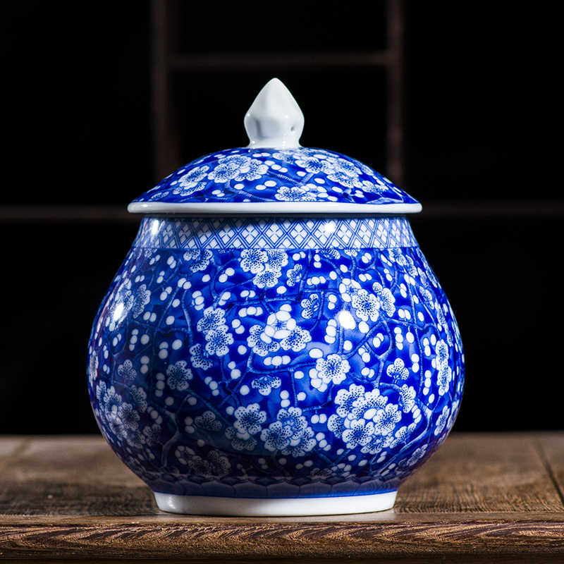 Traditional Chinese Style Classic Jingdezhen 250gTea Caddy Box White and Blue Porcelain Sealed Kung Fu Tea Jar Storage Canister