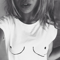 2015 New Womens T Shirt White Tit Tee Breast Printed T Shirt Emoji Tees Street Boob