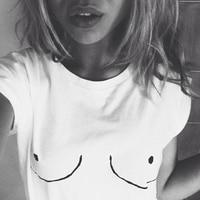 2015 New Womens T Shirt White Tit Tee Breast Printed T Shirt Emoji Tees Street Boob