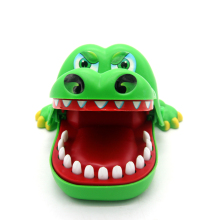 Creative Crocodile Mouth Dentist Bite Finger Game Funny Toy Kids Children Gift
