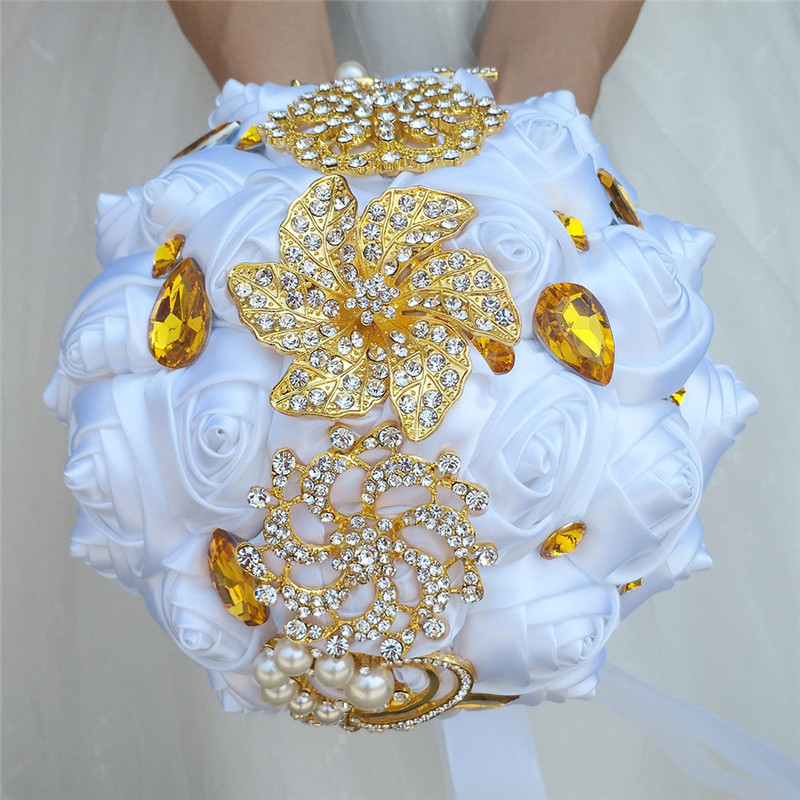 White Wedding Ribbon Gold Diamond Silver Diamond Pearl Decoration Bridal Wedding Bouquet Artificial Rose Wedding Bouquet