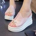 Elegante Pérola 2017 Sapatos Damas de Verão Cunhas Chinelos Femininos Plataforma Do Dedo Do Pé Aberto de Ultra Salto Alto Moda Sandálias Das Mulheres