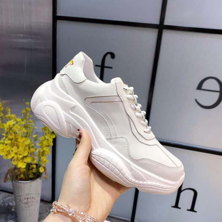 Fast delivery 2019 four seasons round toe women sneakers genuine leather comfortable cross tied women shoes