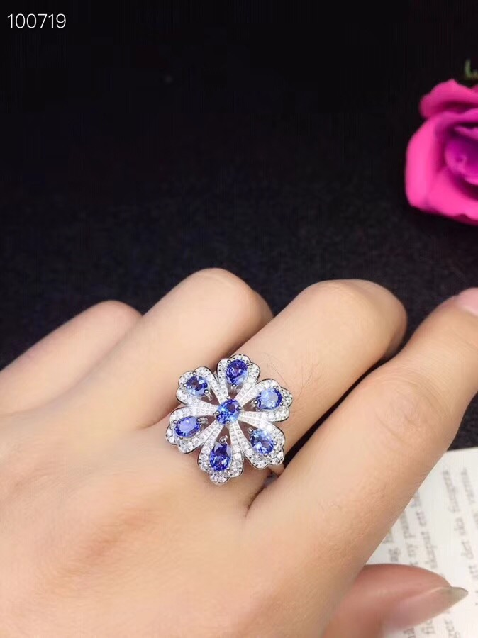 Super beautiful flower shaped style natural tanzanite ring multi grain natural stone in the mining area