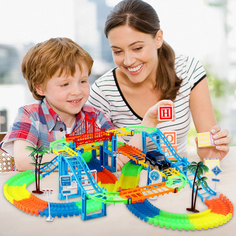 Lumineux Doux Et Dur Piste Incroyable Deux-en-un Rail De Voiture bricolage Assemblé Blocs de Construction de Puzzle Enfants jouets Roller Coaster Jouet