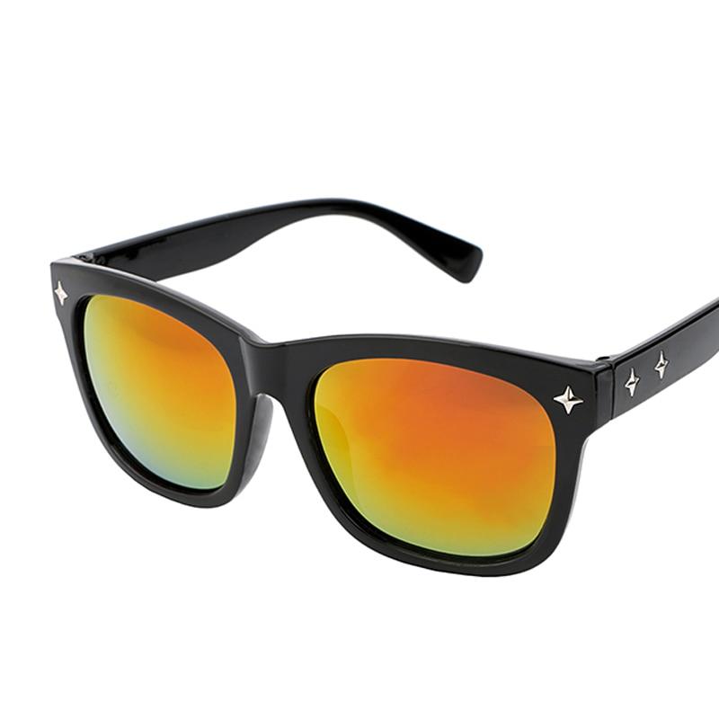 Nuevo Fashion Square Gafas de sol mujeres vintage Rivet Sol Gafas hombres  retro lente reflectante Sol vidrio unisex oculos gafas de sol 94ad6656f3