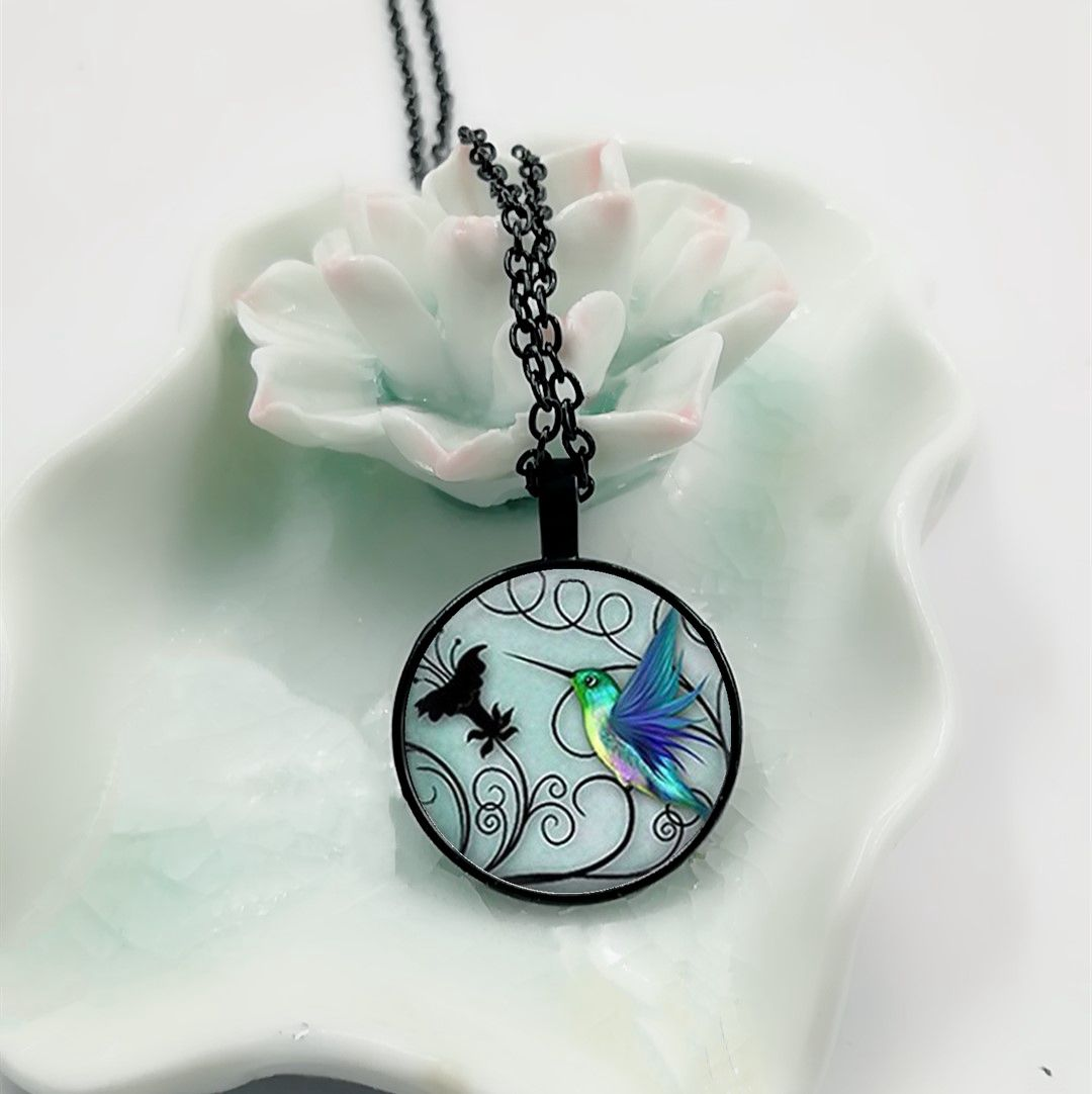 2018 New Blue Hummingbird Necklace Hummingbird Pendant Glass Bird Jewelry Art Glass Cabochon Necklace