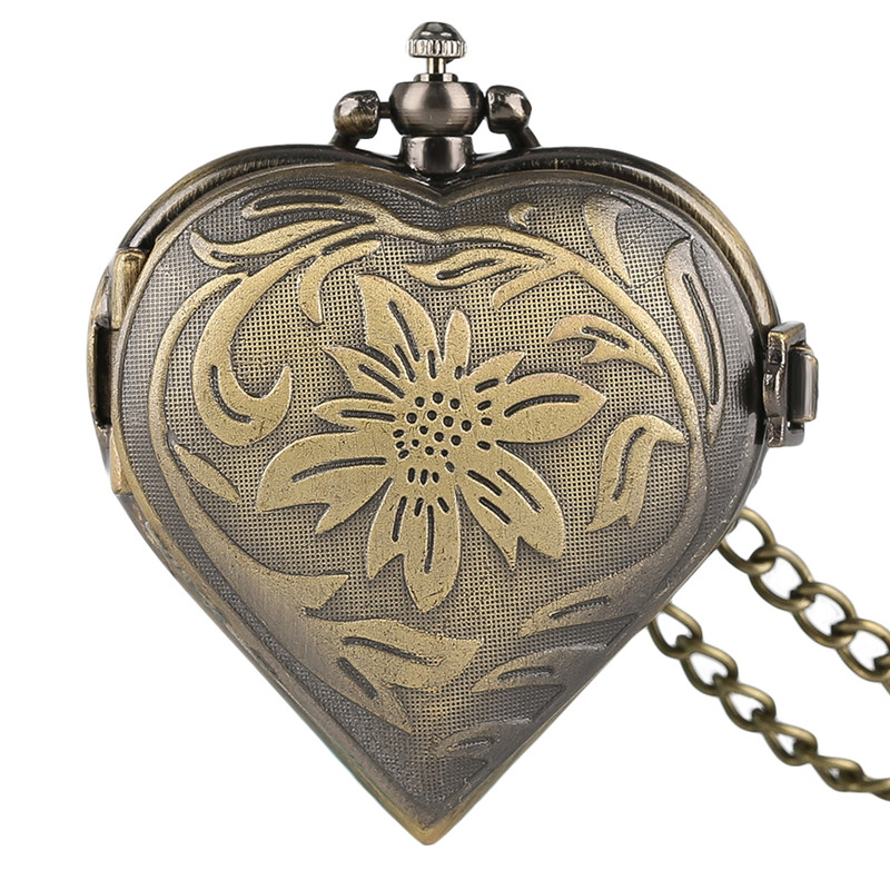 Retro Bronze Flower Pattern Heart Shape Quartz Pocket Watch Vintage Necklace Steampunk Pendant Chain Lover Gift Men Women