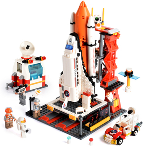679pcs Spaceport Space Shuttle Blocks Space Center DIY Building Brick Compatible Legoed City Educational Toys For Children Gift