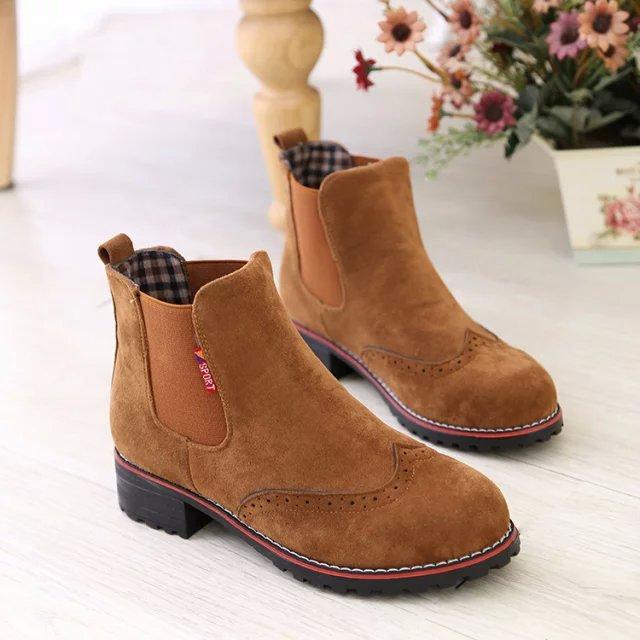 a5cb591e7fe7a 2016 mujeres del otoño moda de cuero de gamuza botines mujeres de botas de  mujer zapatos de marca de venta al por mayor  8803 en Botines de Zapatos en  ...