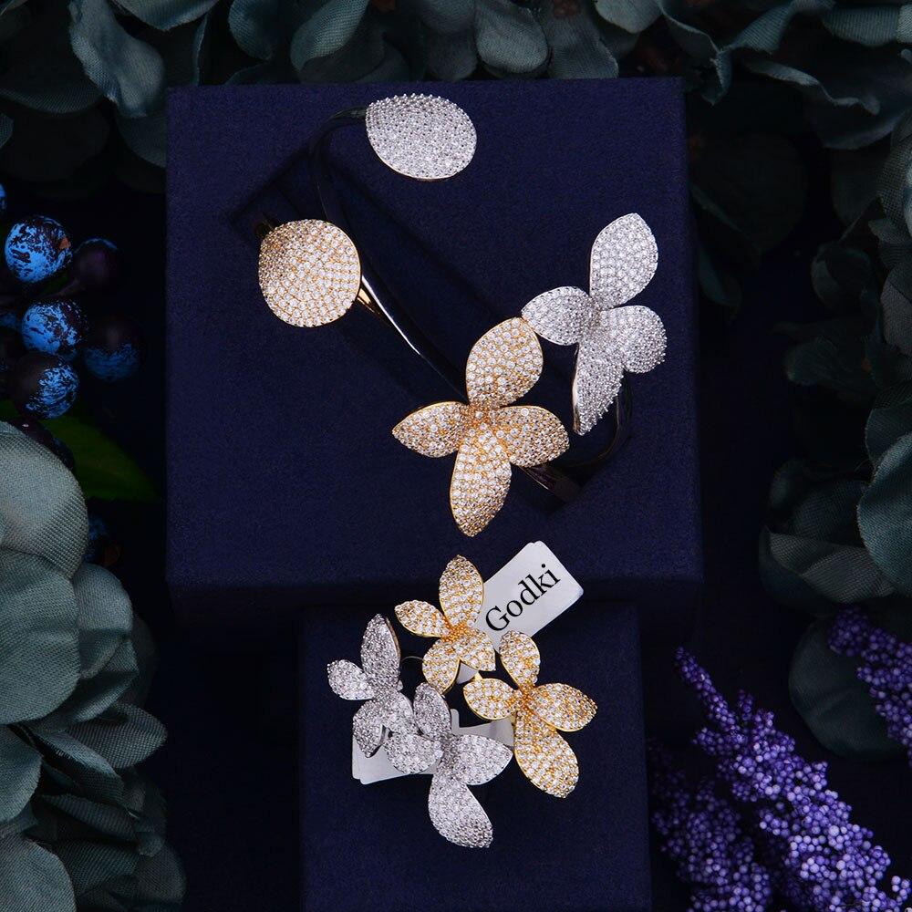 Ensemble de bijoux pour évènement en mod ...