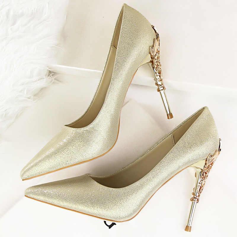 LAKESHI סקסי עקבים גבוהים נעלי אישה אופנה נשים משאבות נעלי חתונה אדום בלינג זהב נעלי Famale מסיבת נשים נעליים עקב