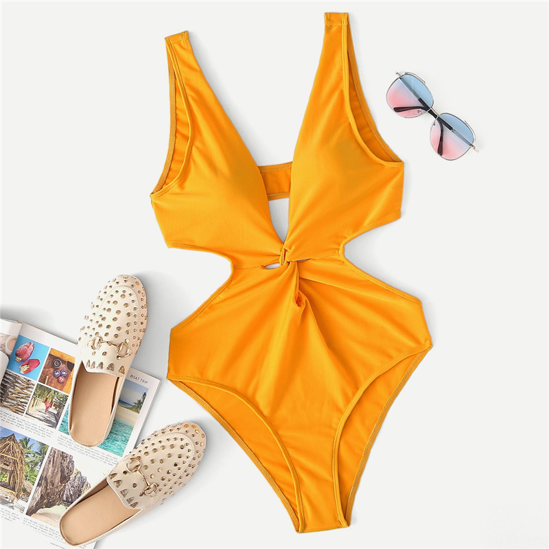 Cut-Out Twist One Piece Swimsuit 5