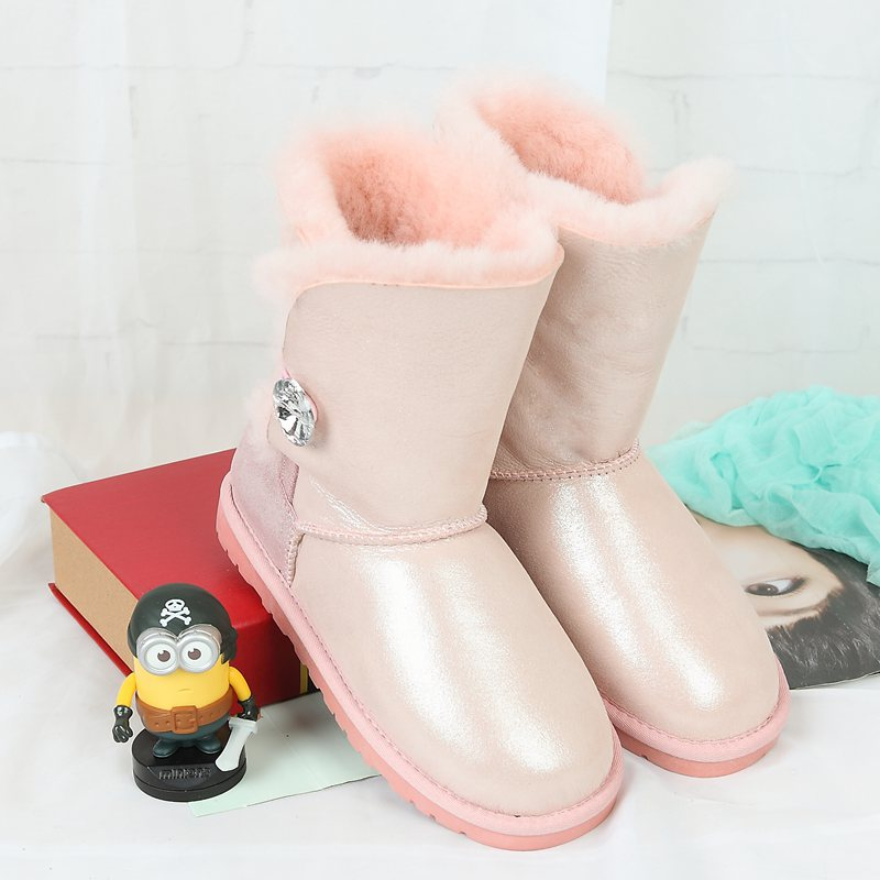 High quality snow boots 2017 winter new Australia's 100% natural sheep fur one warm female boots leather boots free delivery