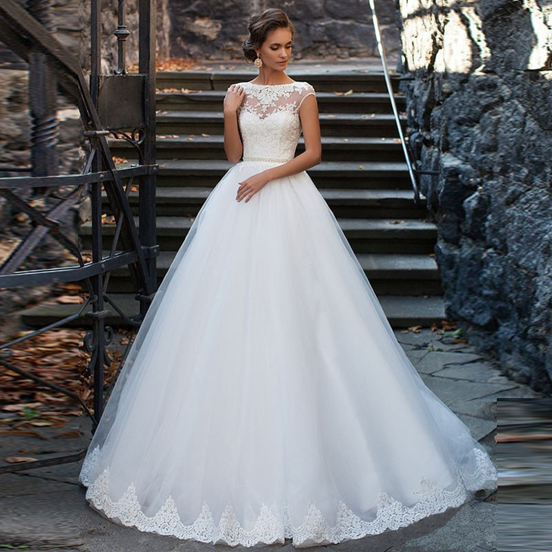 Elegant Puffy Ball Gown Wedding Dress Lace Appliques