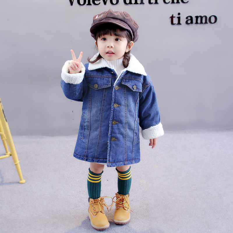 957f3b728e8 Baby New jacket 2018 new winter plus Korean children long cashmere clothes  2 7 years old girls winter coat Girl cowboy Jacket-in Down   Parkas from  Mother ...