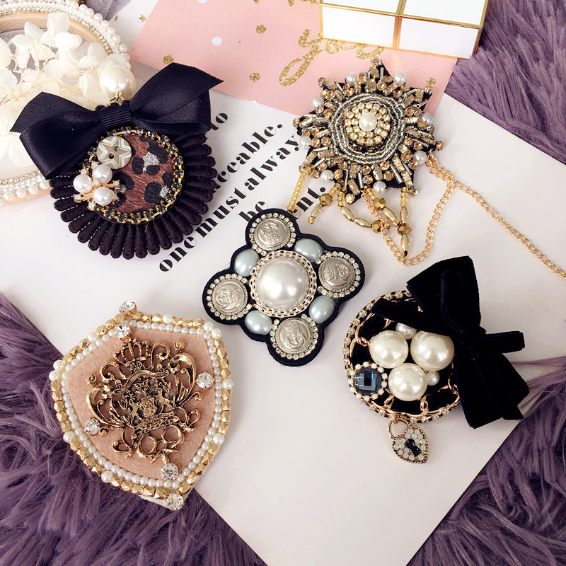 Women Girl Fashion Brooch Pins Badge Big Metal Star Bow Chain Bee Coat Pearl Korean Handmade Wholesale Series Accessories-SWE