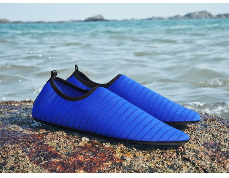 Summer Shoes Men Breathable Aqua Shoes Beach Sandals Adult Slippers Sport Upstream Shoes Women Diving Socks Tenis Masculino (13)