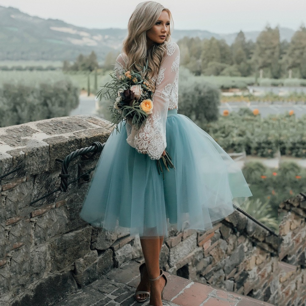 Robes de soirée pas cher décolleté transparent Dubai robe de bal au genou longueur Rare bleu robes de soirée en dentelle taille élastique sous 100