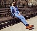 Nueva llegada del verano estilo 100% de lana clásico azul claro 2 unids 2 botones con muesca solapa para hombre trajes de color azul claro