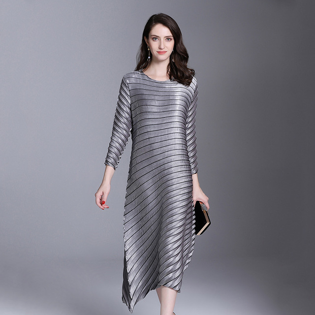 LANMREM 2019 spring New Fashion Pleats Three Quarter Sleeve Irregular Dress Female's Loose Elastic Women Clothing Vestido YE852 2