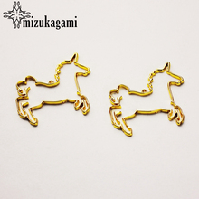 20pcs/lot UV Resin Zinc Alloy Metal Frame Pendant Golden Horse Charm Bezel Setting Cabochon