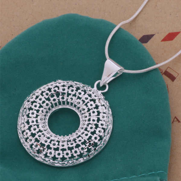 Classic Silver Plated Jewelry Big Hollow Round Necklace For Women Exquisite Design AN201