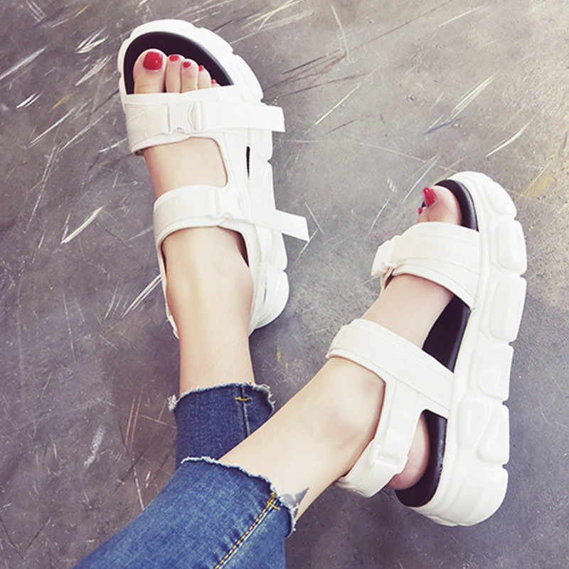 קיץ שמנמן סנדלי נשים אבזם הבהונות פתוחות נשים סנדלי נעליים מזדמנים לבן גבירותיי נעליים לנשימה פלטפורמת סנדל 9003w