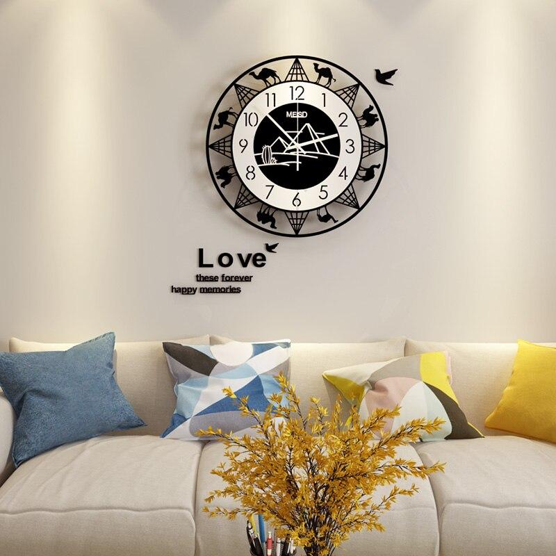 3D Hollow Creative Camel Round Wall Clocks Modern Design Hanging Clock Silent Wall Watch Living Room Free Shipping Home Decor