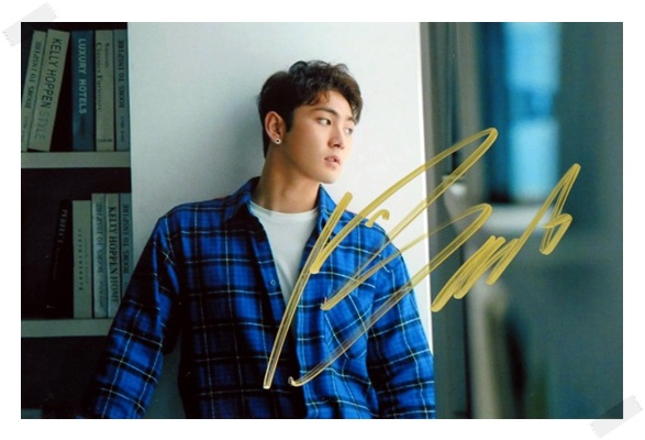 signed NUEST W Kang Dong Ho autographed photo HERE K-POP 6 inches  freeshipping 102017 signed infinite jang dongwoo dong woo autographed photo k pop 6 inches free shipping 102017