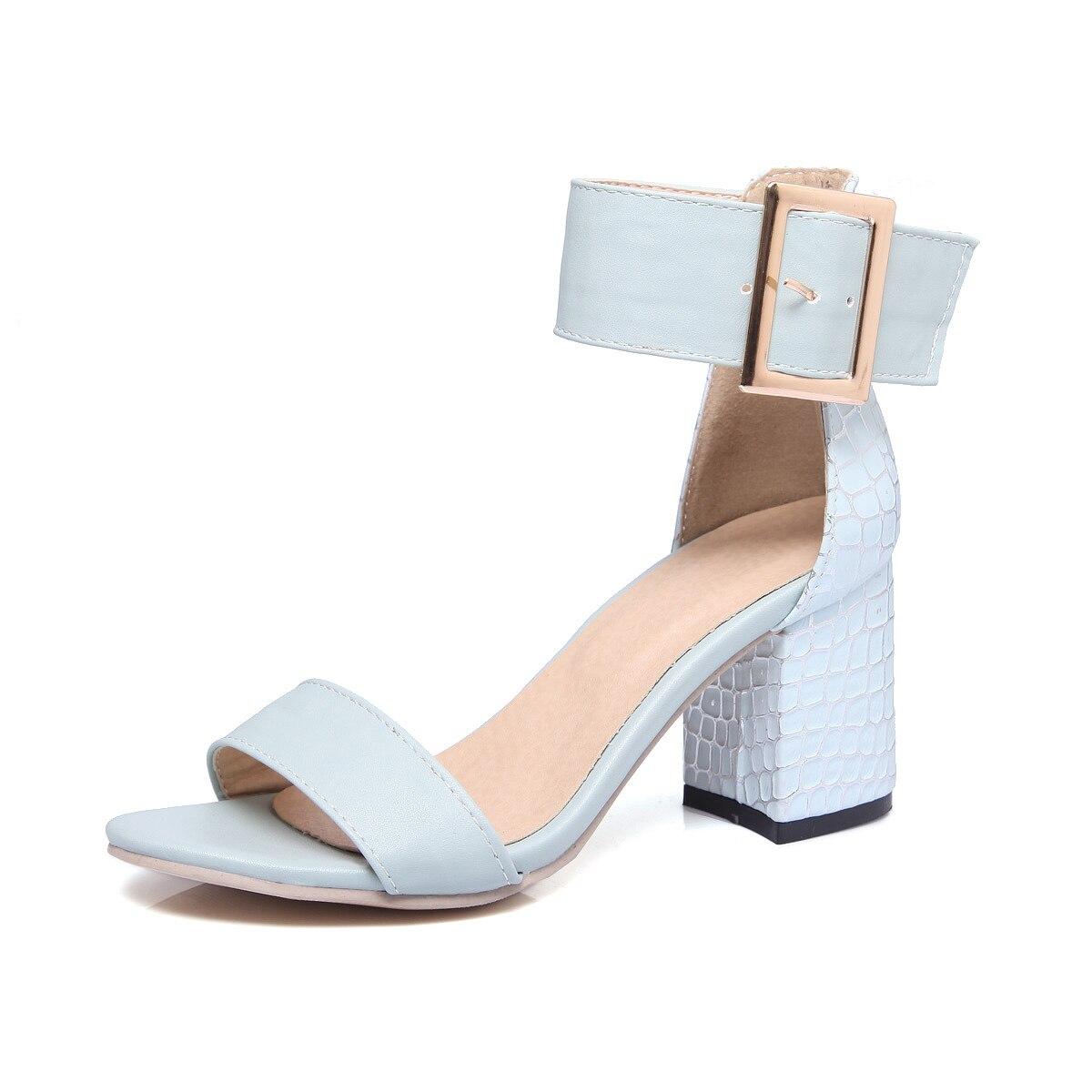 Tamaño Sandalias Mujer Altos Tacón Sexy blanco Casual 34 Nueva De 43 Tacones  Mujeres Azul Gran rosado Cuadrado 2018 Zapatos wOW10qqv e52a84a52ac6