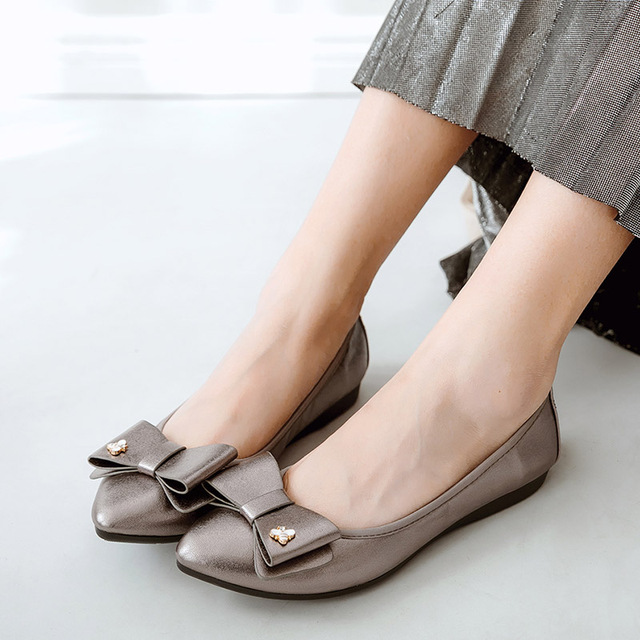 Luxury Brand 2018 Fashion Women Designer Butterfly Knot Silver Flats Foldable Pointed Toe Ballerina Flat Plus Size Boat Shoes