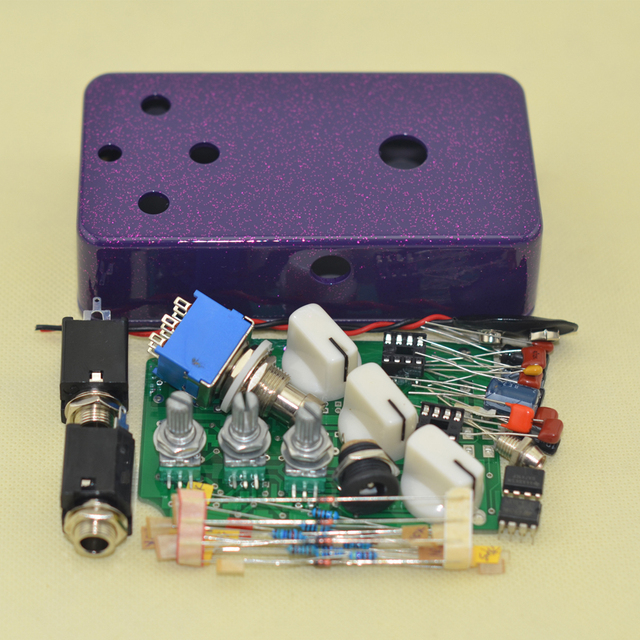 DIY Fuzz& Distortion pedal Guitar kit and 1590B Flash pruple metal box Effect Guitar pedal Musical Instruments+FREE SHIPPING