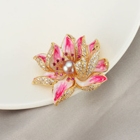 Luxury Crystal Antique Gold Flower Brooches Women Natural Pearl Brooch Pins Jewelry for Wedding Scarf Stone Pins Accessories