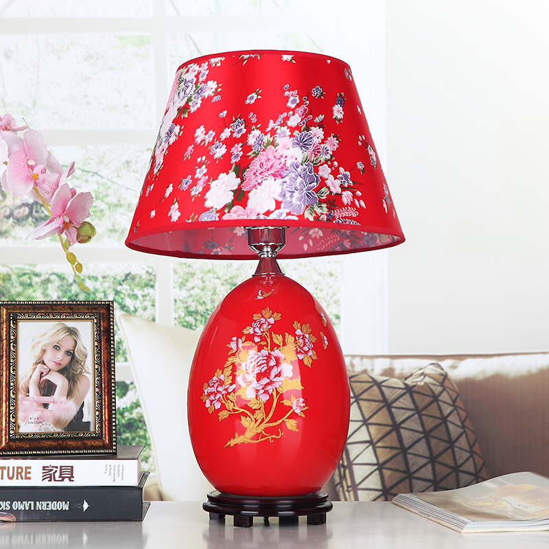 Red Chinese Porcelain Table Lamps Fabric Lampshade Wood Base Room