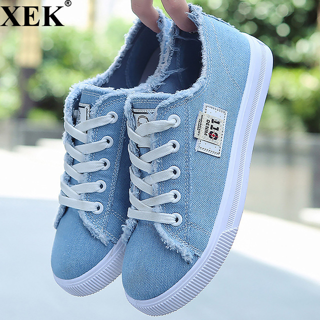 cbb837c9fa87 XEK 2018 New Fashion Women Flats Classic Spring Autumn Denim Women's Shoes  Round Toe Girls Canvas Shoes Designer Sneakers JH191