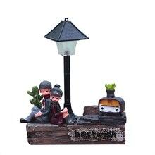 Par de adornos de luz nocturna de resina Vintage Retro amantes de la luz nocturna figuritas en miniatura lámpara artesanías regalos para estudiantes muebles